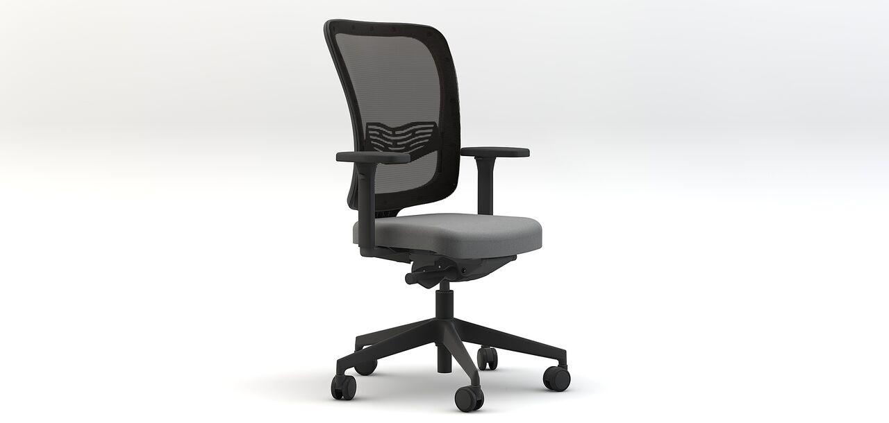 Sedia ergonomica su rotelle