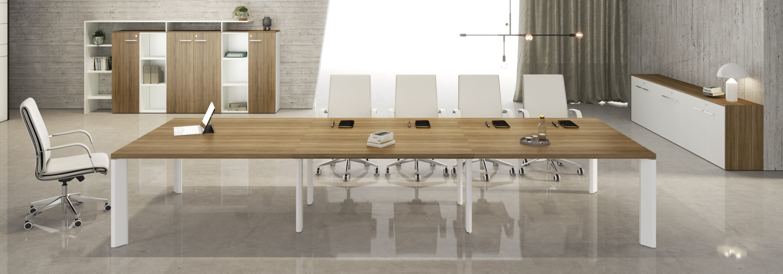 tavolo per riunione in legno