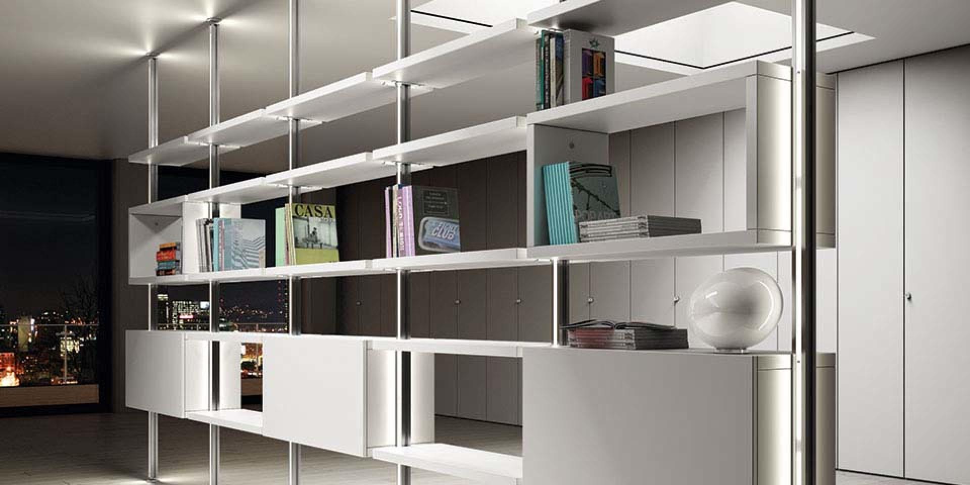 libreria pavimento soffitto con ripiani